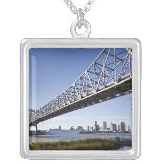 USA Louisiana, New Orleans. Horisont från Silverpläterat Halsband