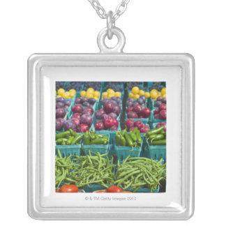 USA, statliga New York, New York, grönsaker och Silverpläterat Halsband