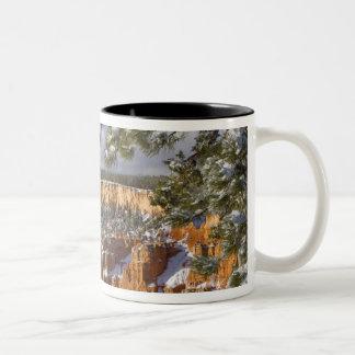 USA Utah, Bryce kanjonnationalpark. Soluppgång Två-Tonad Mugg