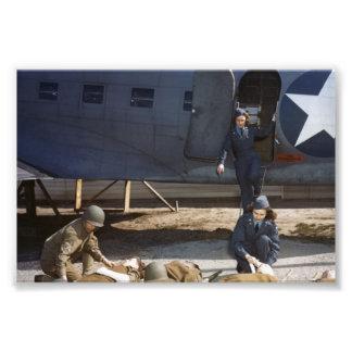 USAAF-flygsjuksköterskor och läkare som att bry si Konstfoto