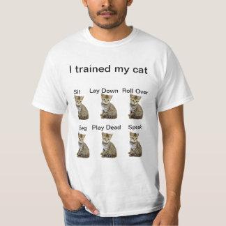 Utbildade min katt (den original- versionen) tshirts