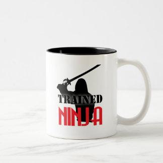Utbildade Ninja Två-Tonad Mugg