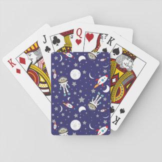 Utrymmeapa som leker kort casinokort