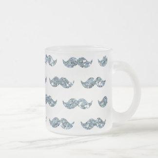 Utskrivavet mönster för silverglittermustasch kaffe koppar