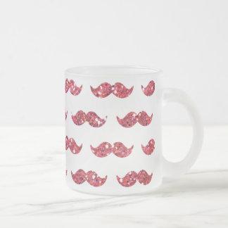Utskrivavet roligt mönster för rosaglittermustasch kaffe mugg