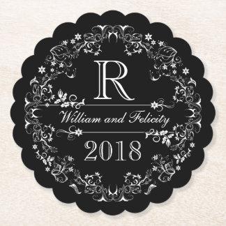 Utsmyckad blom- svart tavlaMonogram som gifta sig Underlägg Papper