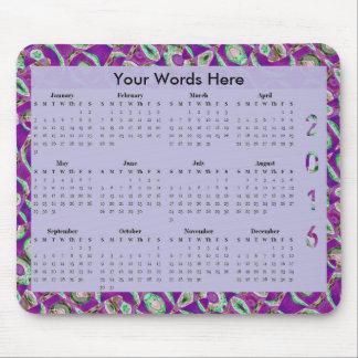 Utsmyckad purpurfärgad årlig kalender för mosaik musmattor