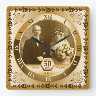 Utsmyckat beställnings- foto för guldbröllopårsdag fyrkantig klocka