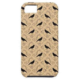 Utsmyckat mönster med kråkor. Svart och Beige. iPhone 5 Hud