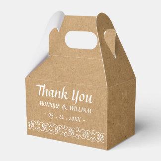 Utsmyckat pappert brölloptack för lantlig presentaskar