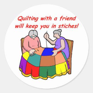 Vaddera med en vän runt klistermärke