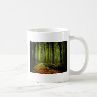 Väg i skogen kaffemugg