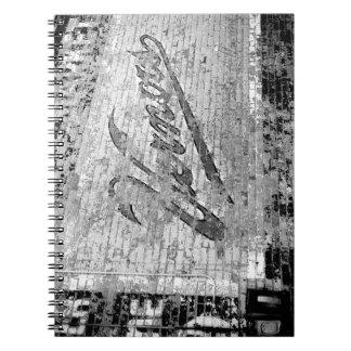 Vägg för tegelsten för Vernors väggAnn Arbor Anteckningsbok Med Spiral