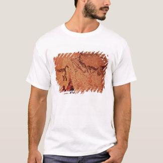 Vagga målning av en jaktplats, c.17000 BC T-shirts