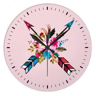 Väggen för den Boho tar tid på den rosa pil- & Stor Klocka