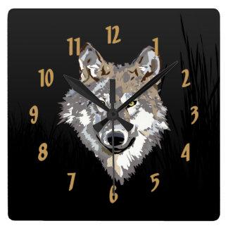 Väggen för den Lone vargen tar tid på Fyrkantig Klocka