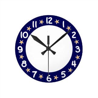 Väggen för sjöstjärnan för blåttstrandhav tar tid rund klocka