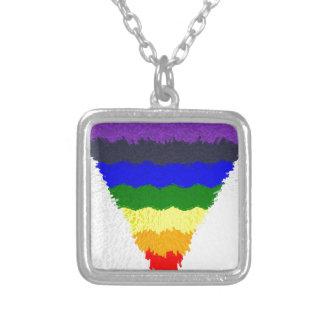 Vågigt kvarterfibrer, regnbåge somtriangeln silverpläterat halsband