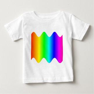 Vågigt regnbågen tee shirt