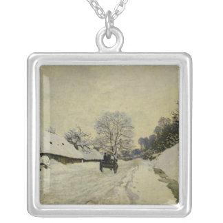 Vagnen eller väg under snö på Honfleur, 1865 Silverpläterat Halsband