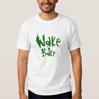 Vakna och baka tröjor