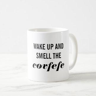 Vakna upp och lukta den Covfefe muggen Kaffemugg