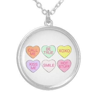 Valentin halsband för hjärtor för hjärta för godis