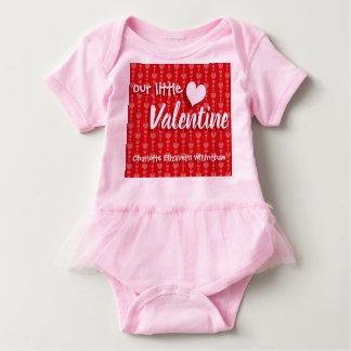 Valentin hjärtor för Bodysuit för dagflicka röda Tshirts