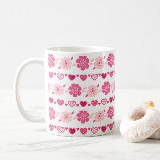 Valentin mönster för blommor för hjärtor för kaffemugg