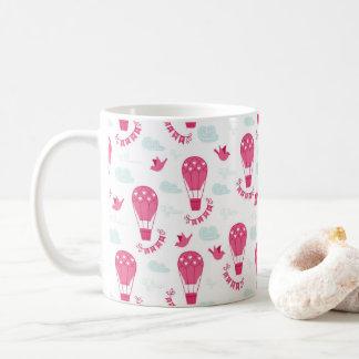 Valentin mönster för rosor för kärlek för fåglar kaffemugg