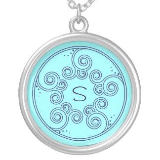 Välj ditt charma för färg virvlar runt det silverpläterat halsband