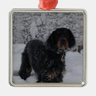 Valp för Gordon Setter i en Snowstormprydnad Julgransprydnad Metall