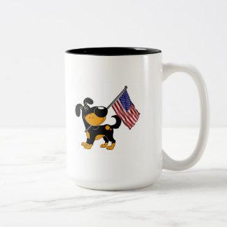 Valp med flagga Två-Tonad mugg