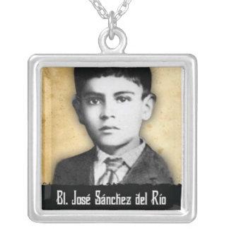 Välsignad Jose Sanchez del Rio Halsband Med Fyrkantigt Hängsmycke