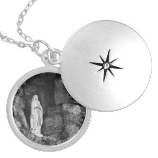 Välsignad mor i Grotto Silverpläterat Halsband