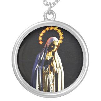 Välsignade jungfruliga Mary Silverpläterat Halsband