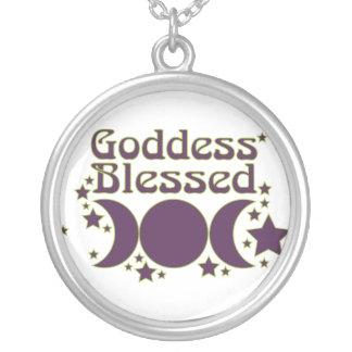 Välsignat halsband för gudinna