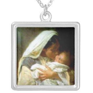 Välsignat jungfruligt Mary och spädbarnbarn Jesus Halsband Med Fyrkantigt Hängsmycke