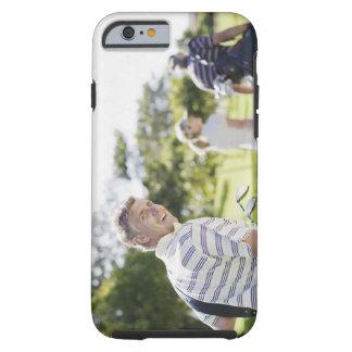 Vänner som bär golf, hänger lös tough iPhone 6 fodral