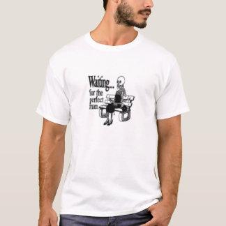 vänta som är för manar tshirts