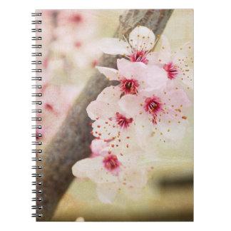 Vår blommor anteckningsbok med spiral