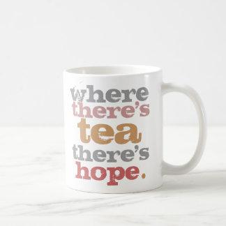 var det finns tea, finns det hoppmuggen vit mugg