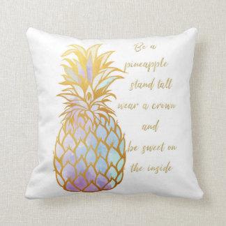 Var en ananasdekorativ kudde