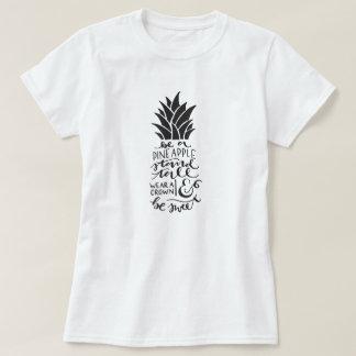 Var en grundläggande T-tröja för ananas T Shirt