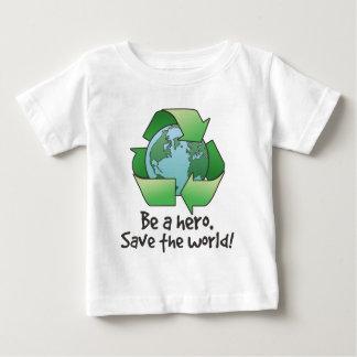 Var en hjälte, återvinnaspädbarnT-tröja T-shirts