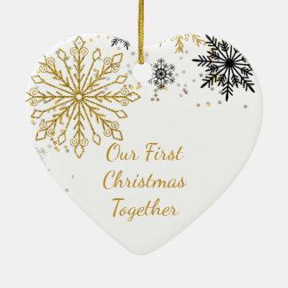Vår första för jul Snowflakeprydnad tillsammans Julgransprydnad Keramik