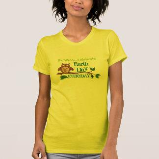 Var klok firar Dag-Daglig jord - T-tröja Tee Shirt