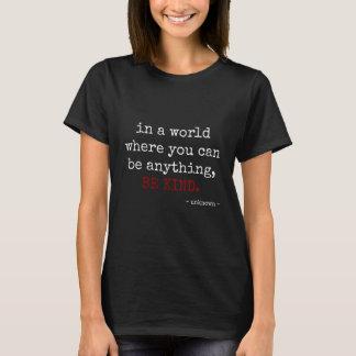 var något. VAR SNÄLL (vittext) T Shirts