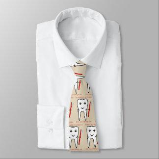 Var snäll till din roliga tandläkare slips