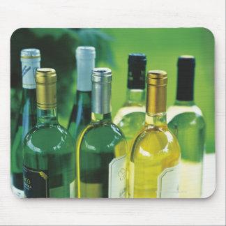 Variation av vinflaskor musmatta